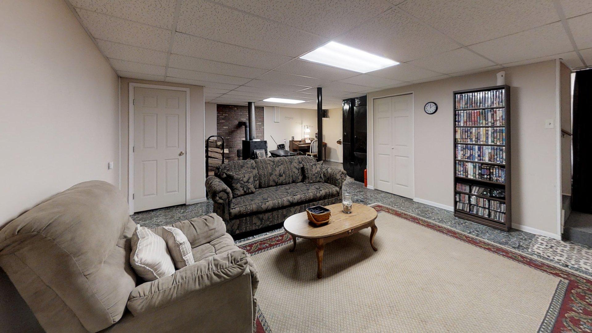 5885 Blue Springs Rd, Hiwassee VA